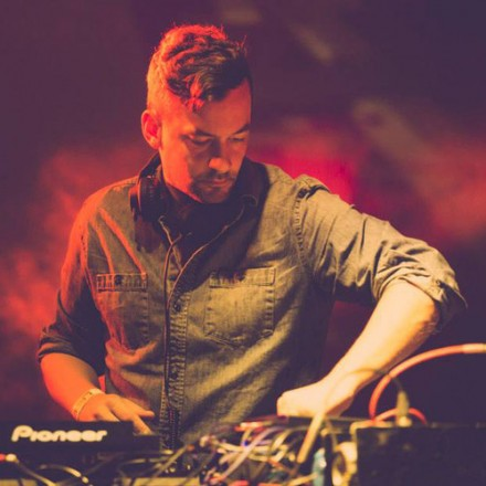 [QUICK MIX - CHILL/HOUSE] Bonobo - 'Boiler Room DJ Mix : September 2013'