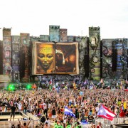 TomorrowWorld-2013-Performers-(27-of-57)