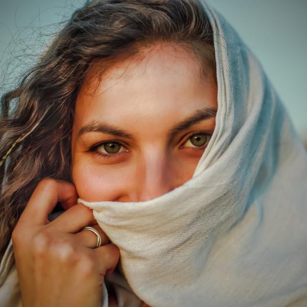 Elana META Portrait