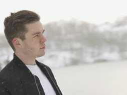 Hellberg – Synchronize (feat. Aaron Richards) (Video Thumbnail).jpg