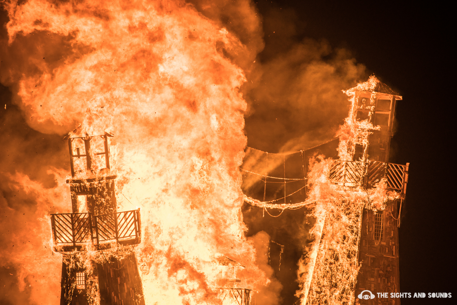 burningman2016_thesightsandsounds_withlogo-35