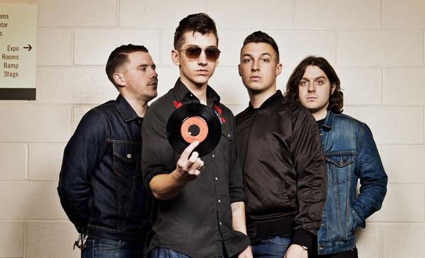 """[INDIE/ROCK] Arctic Monkeys – """"You're So Dark"""""""