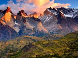 1-slide-patagonia-paine-national-park-cuernos-del-paine-pano