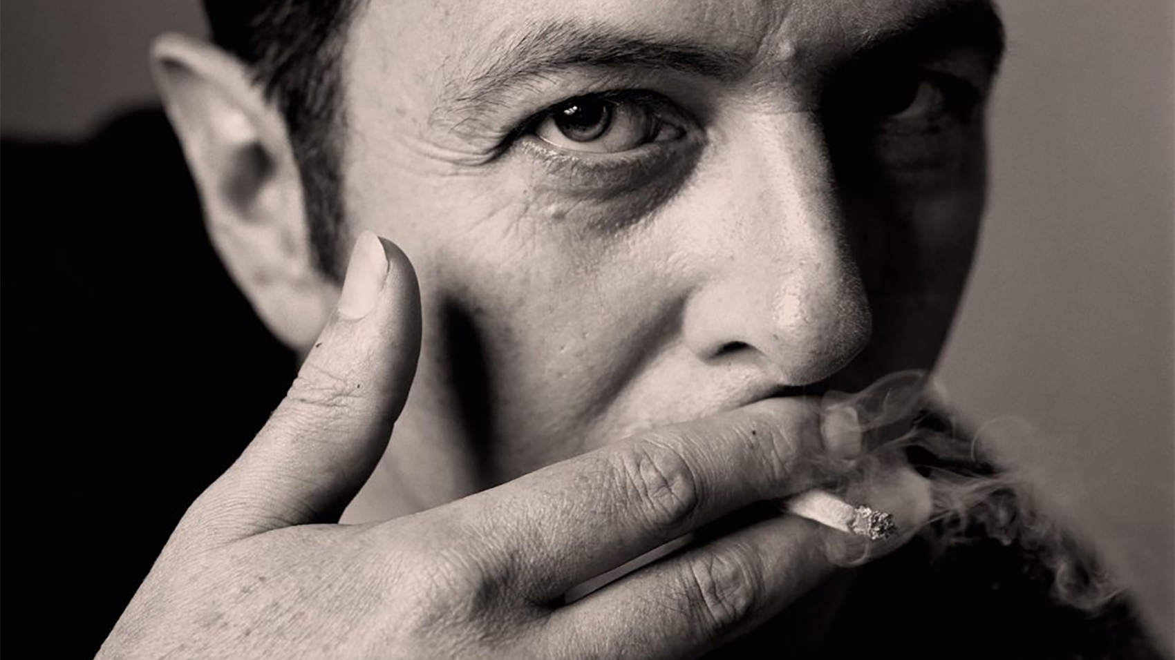 "Joe Strummer to Release Posthumous Box Set ""Joe Strummer 001"""